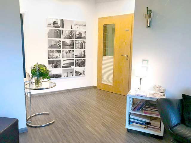 Der Eingangsbereich zu dem Wartezimmer meiner Praxis