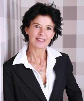 Portraitaufnahme der Naturheilpraktikerin Claudia Stieglitz aus Münster